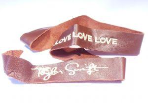 Taylor Swift Bracelet on Taylor Swift Leather Bracelet Love Love Love Wrist Band   Prop Replica